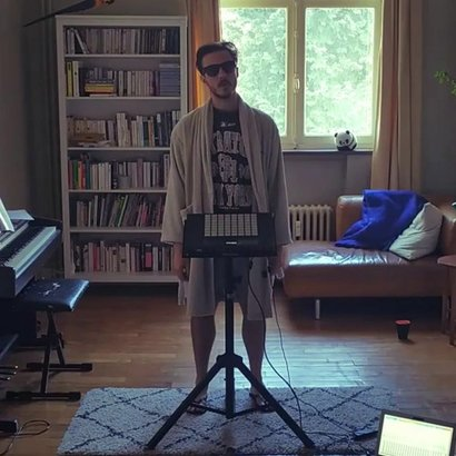 "Drumming by Rémon Jr. : ""The Dude Tribute"""